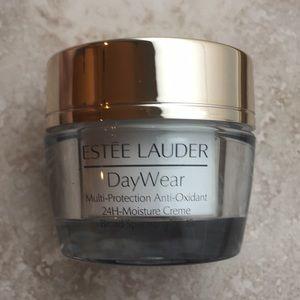 Estée Lauder Day Wear 24H Moisture Creme SPF 15